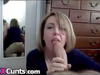 sexy d like to fuck sucks giant shlong and