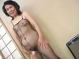 older oriental wench plug her pussy...