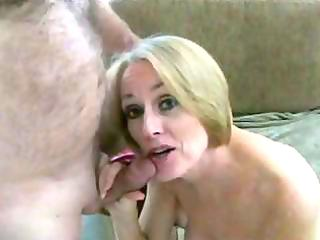 breasty golden-haired milf shows her cookie and