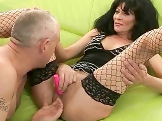 granny in nylons receives her pussy screwed