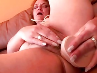 chunky mature granny vibrator fucking her bawdy