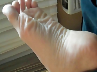 mammas feet