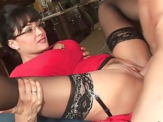 spruce large titted d like to fuck hoe receives