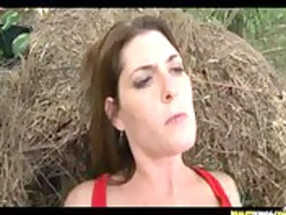 milfhunter receives three-some great outdoor