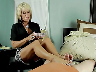 priceless mature massage with pleased ending