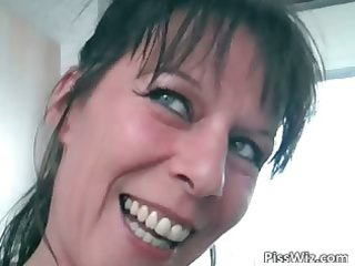 lustful d like to fuck brunette hair exposes her