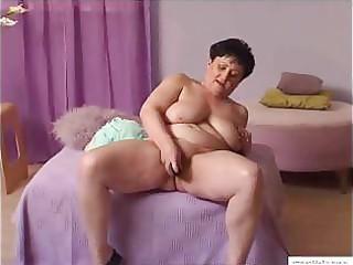 13 years granny mariska masturbates at home