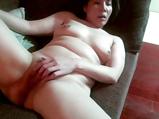 amateur curly chinese milf masturbates