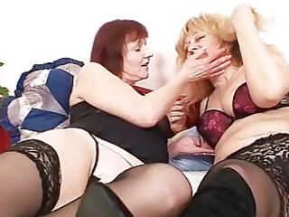 amateur mamma experimenting with other mama