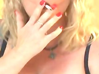 hot older cougar in underware smokin and fucking