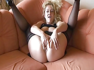 german dilettante older masturbates