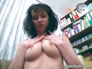 horny brunette hair mother i massage her snatch