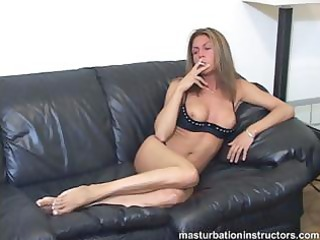 smokin mother i flashes mambos as she is longs