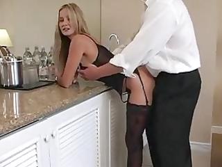 blone mum desires cock