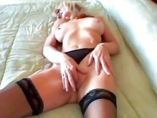 blond mature granny fingers her wrinkly aperture