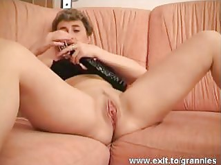 48 years grannie pia fingering and toying one as