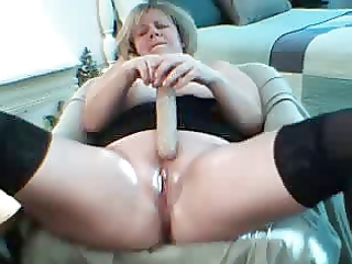excited older squirts on livecam