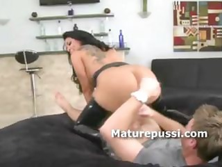 biggest ass d like to fuck bouncing on juvenile