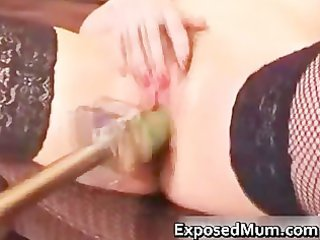 non-professional mum likes being team-fucked on