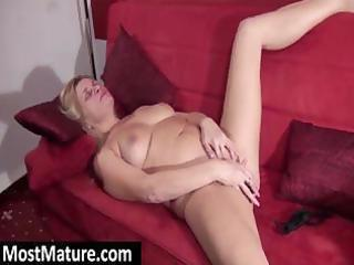 older blond is fingering and toying her cum-hole