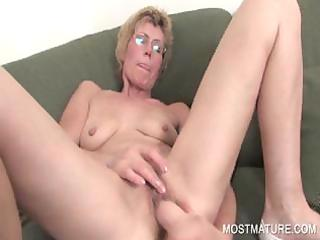 lusty d like to fuck dildoing lust snatch