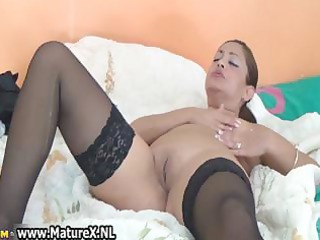 thick mature housewife in sexy dark