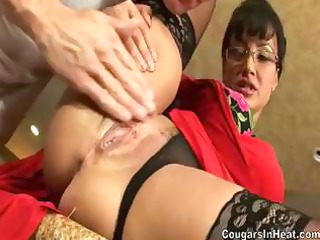 milf acquires her anal opening stretched