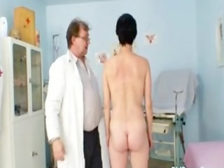 barbora visits gyno doctor to receive mature slit