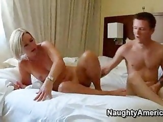 sexy older golden-haired mother i hawt suz